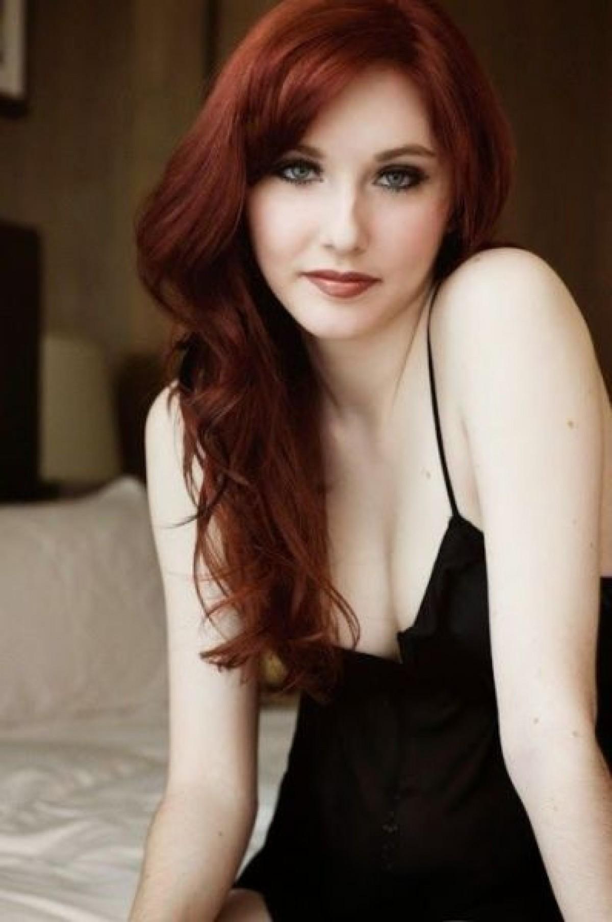 Babe naked red hair pornos image